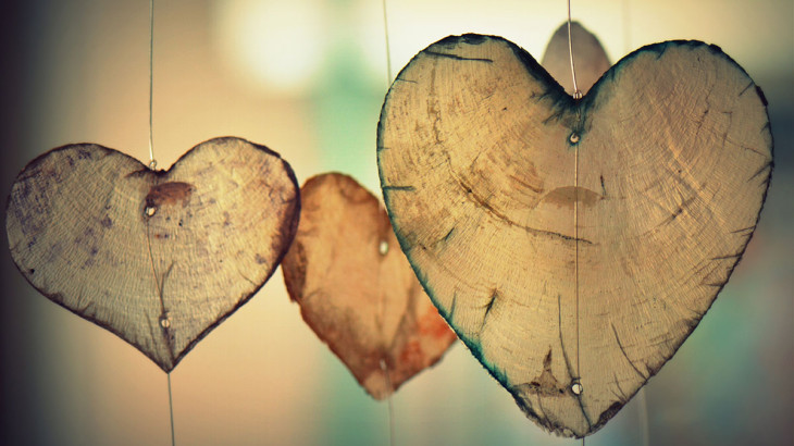 valentines-heart-wood