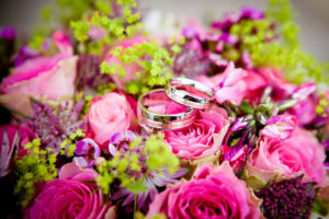 rose-romance-engagement-rings-1200x800px