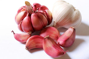 garlic-cloves-1200x800px