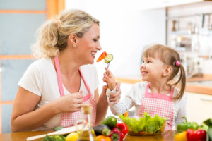 woman-daughter-eating-salad-1200x800px