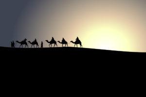 caravan-silhouette-desert